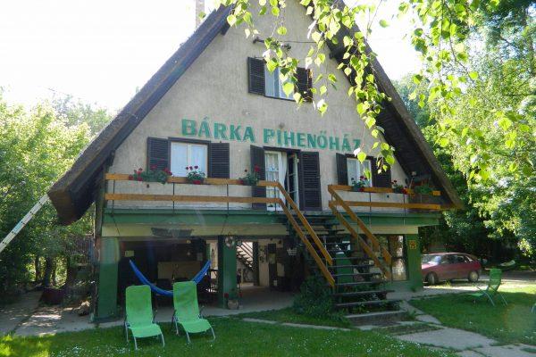 Gemenc_barka_pihenohaz1