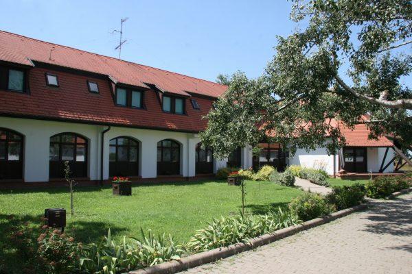 KMNPI-Sterbetz-I-külső